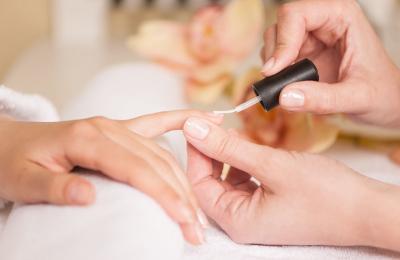 BeautyBee - Fusspflege Wallisellen- Maniküre 2
